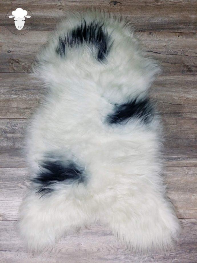 Schapenvacht IJslands Wit met Zwarte Vlekken (Vloerkleed)